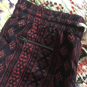 Pam & Gela Pants - Pam & Gela Red Black Tribal Print Thin Jogger Pant